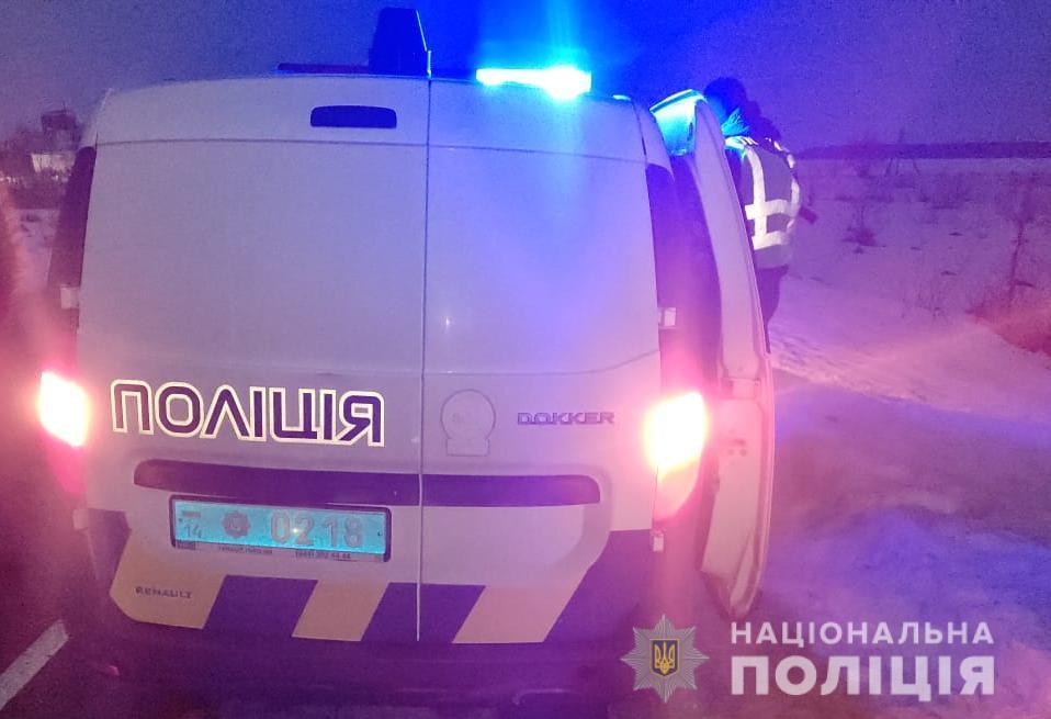 На Львівщині поліцейський відмовився від хабара. Фото: Нацполіція.