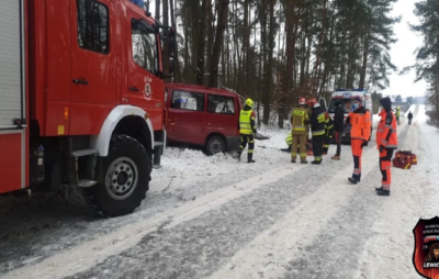 У Польщі розбився український автобус. Фото: grojec24.net