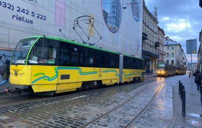 У Львові зранку відбувся парад трамваїв. Фото: Гаряча лінія міста Львова.