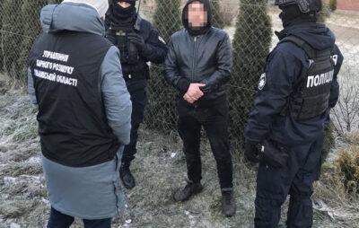 На Львівщині затримали групу зловмисників, причетних до розбійних нападів на пасажирів автобусів. Фото: Нацполіція