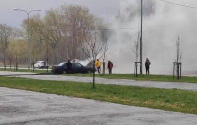 У Львові горить автомобіль. Фото: скриншот