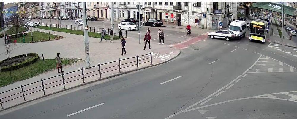 У Львові зіткнулись автомобілі. Фото: скриншот
