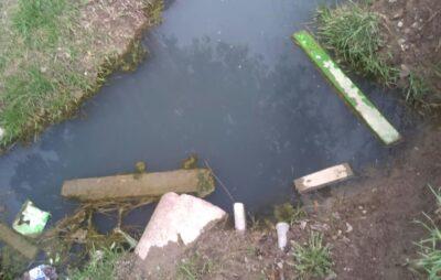 У Львівській області чоловік вивів каналізаційні нечистоти у рівчак біля дитячого майданчика