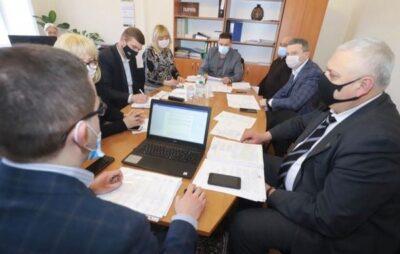 Львівська облрада звернеться до ВРУ щодо фінансування пенсій