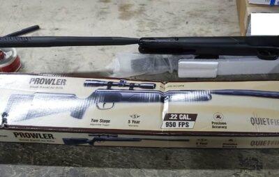 На Львівщині виявили посилки зі зброєю. Фото: Галицька митниця
