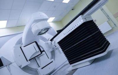 Для Львівського онкоцентру придбають новий апарат променевої терапії. Ілюстроване фото