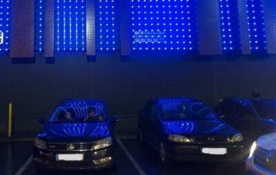 У Львові іноземець обікрав автомобіль. Фото: Національна поліція
