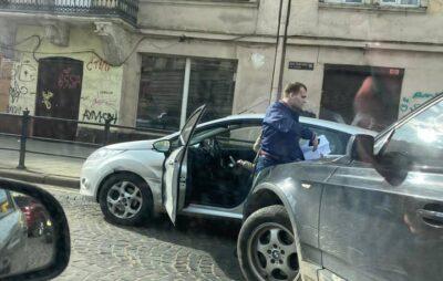 У Львові біля Оперного театру зіткнулись автомобілі. Фото: Ігор Зінкевич