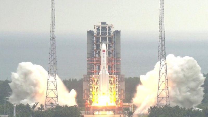 Ракету Long March 5В запустили з китайського міста Веньчан 29 квітня. Фото: CCTV VIA REUTERS