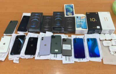 У Краківці конфіскували контрабандні IPhone. Фото: Галицька митниця