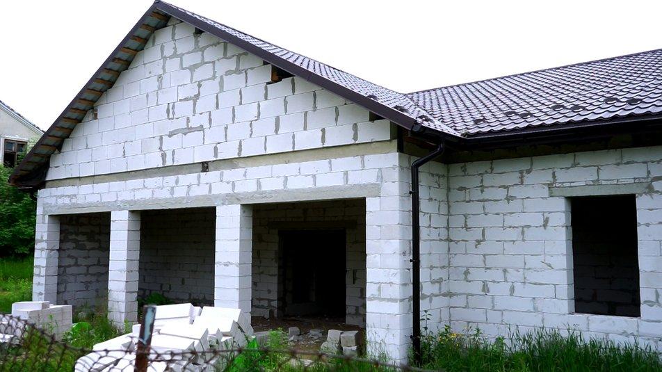 Недобудована амбулаторія у селі Соколівка