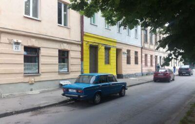 У Львові знищили фасад будинку. Фото: Назар Лебяк