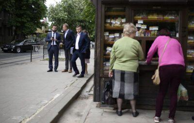 Андрій Садовий знову піариться на ремонті доріг у Львові. Фото: ЛМР
