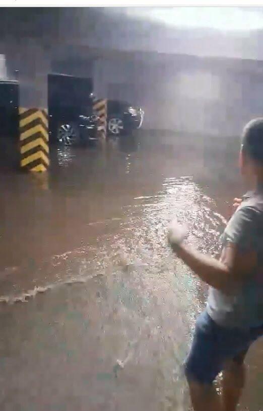 У Львові після ремонту вулиці Шевченка дощова вода затоплює паркінг