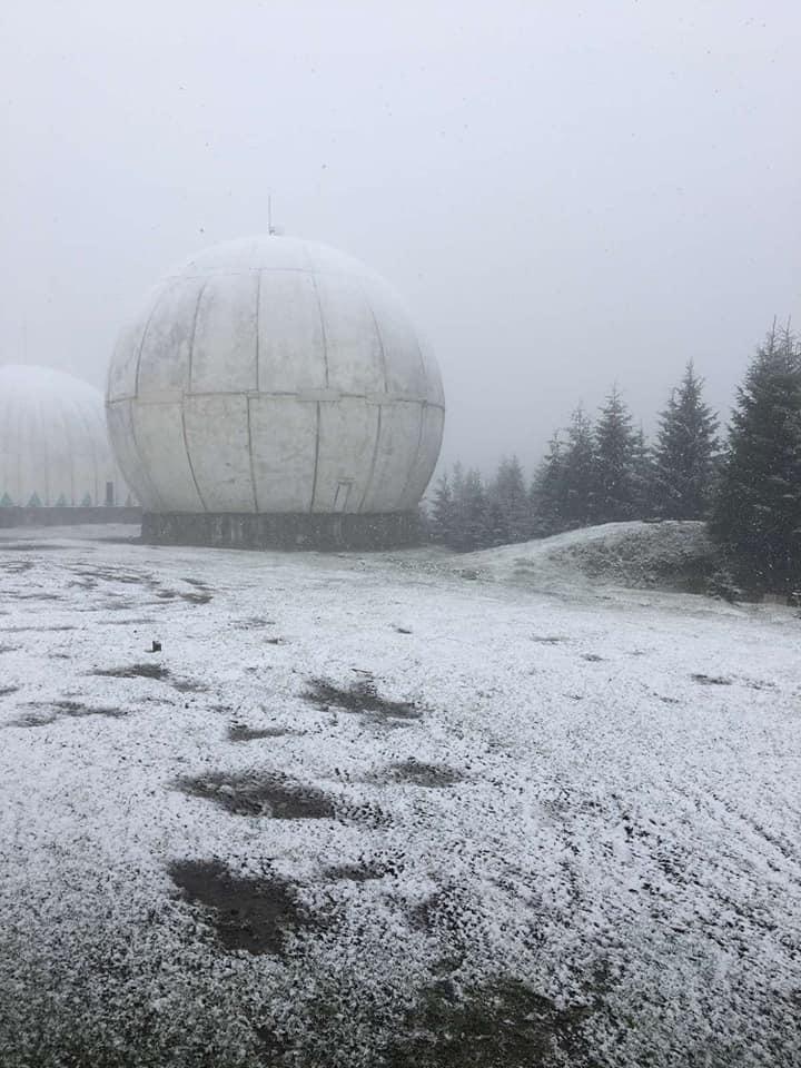 У Чернівецькій області випав сніг. Фото: Міка Слусаряк