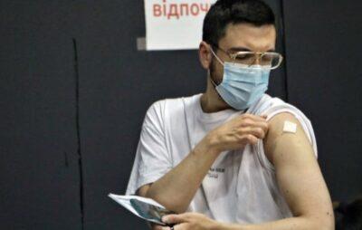 Студенти столичного університету розповіли про примусову вакцинацію