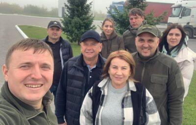 Бійці ООС отримають допомогу від громади Івано-Франкового. Фото: Ірина Перун