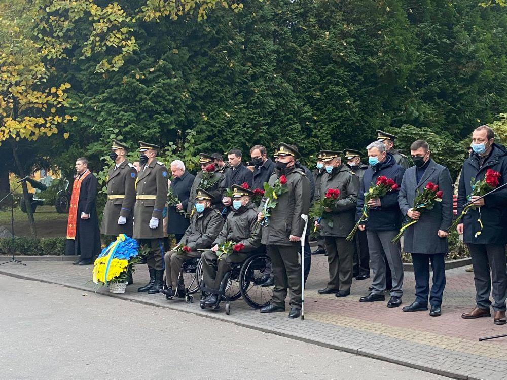 В Академії сухопутних військ вшанували полеглих в бою випускників (ФОТО)