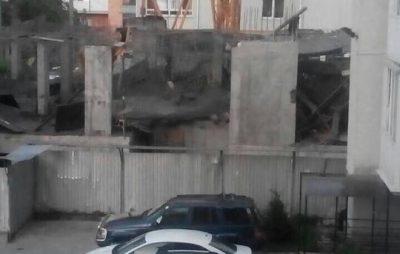У Львові на новобудові впало перекриття. Фото - Варта-1