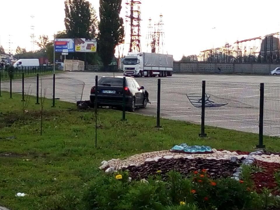 """Як у Львові водій на """"євробляхах"""" тікав від поліції. Фото Варта-1"""