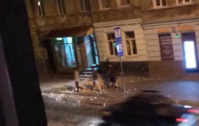 У Львові обвалюється будинок