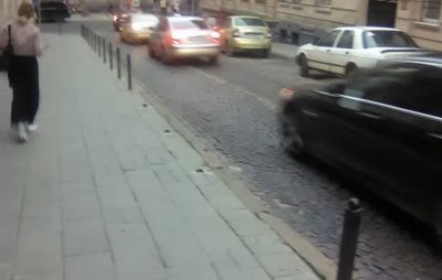 У Львові зрізали стовпці