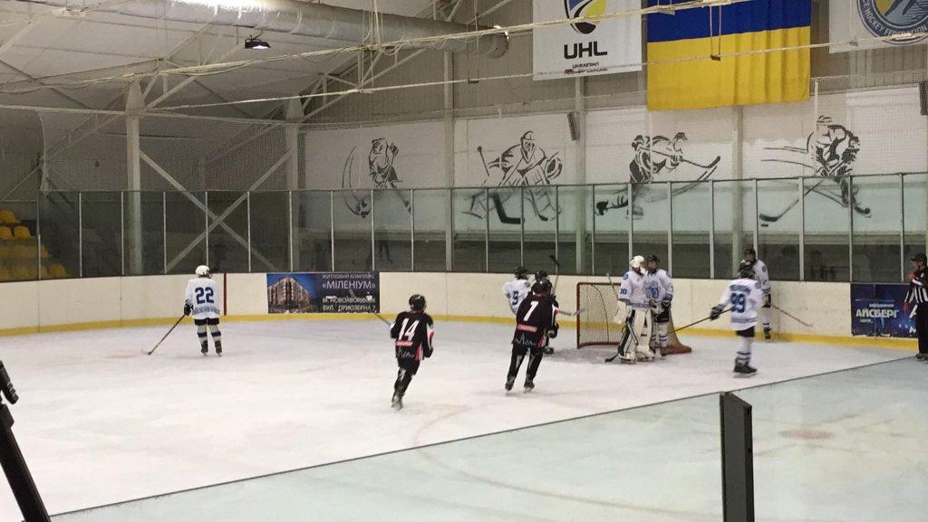 У Новояворівську завершився І етап Карпатської молодіжної хокейної ліги, фото Юра Кенцало 4studio