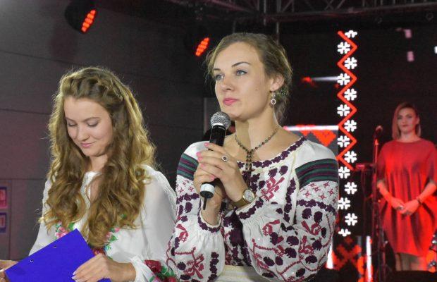 У Львові відбувається унікальний етнопоказ за участі жінок-учасниць бойових дій на Сході України, волонтерок та військових журналісток