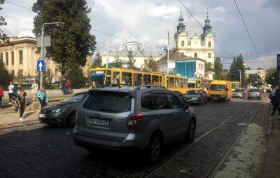 У Львові перекрито рух вулицею Бандери