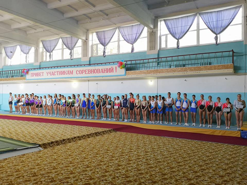 Акробати Львівщини успішно виступили в Кубку України зі стрибків на акробатичній доріжці