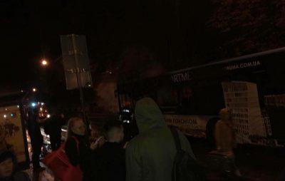 У Львові згоріла маршрутка. Фото Варта-1