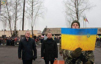 У Великих Мостах понад 400 прикордонників-строковиків присягнули на вірність українському народу