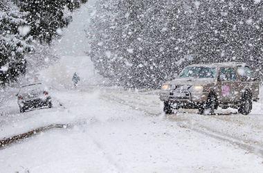 На автошляхах Львівщини – сильні снігопади. Фото: відкриті джерела.