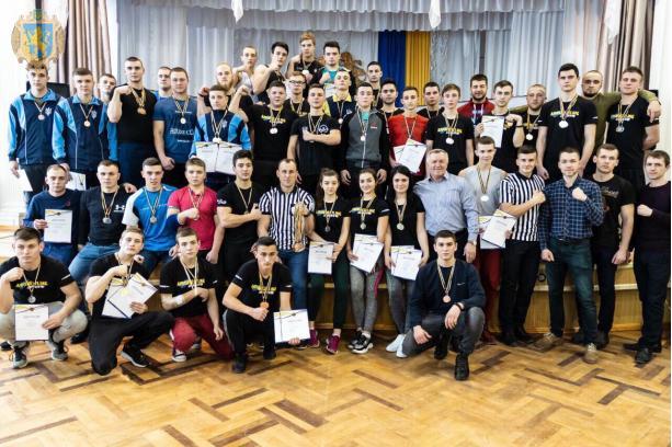 Понад 100 спортсменів змагались у чемпіонаті Львівщини з армспорту