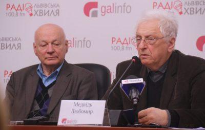 Лауреати Шевченківської премії розповіли, чому підтримують Порошенка. Фото 4studio