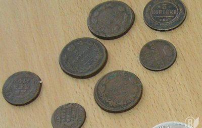 На кордоні із Польщею вилучили давні монети. Фото: відкриті джерела.