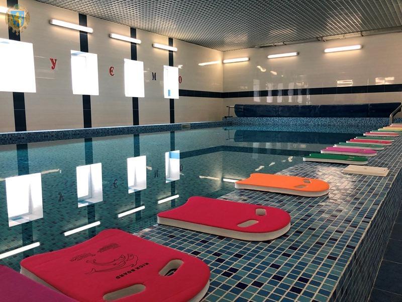 У Добротвірській ЗОШ відкрили шкільний басейн. Фото: прес-служба ЛОДА.