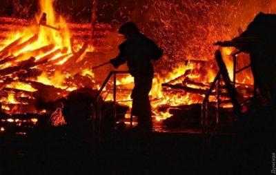 У Львові під час пожежі врятували чоловіка. Фото ілюстроване з відкритих джерел.