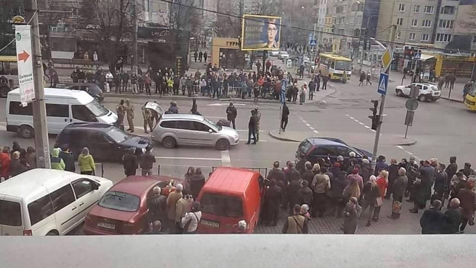 У спальному районі Львова затримали злочинців. Фото Варта-1