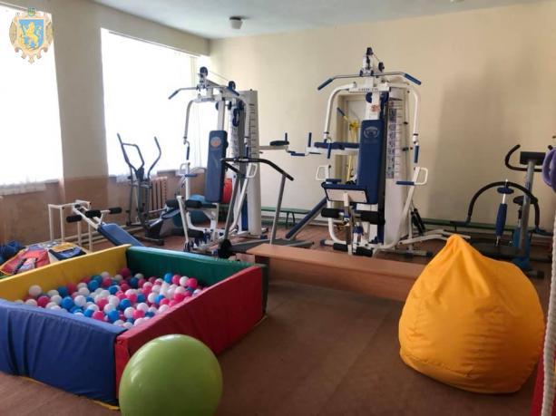 У Пустомитах відкрили інклюзивно-ресурсний центр для дітей з особливими освітніми потребами