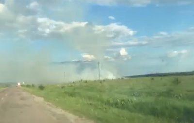 На Жовківщині сильна пожежа охопила поле. Фото: 4studio.