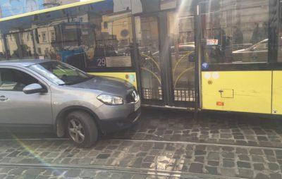 Аварія у Львові. Фото За якісний транспорт