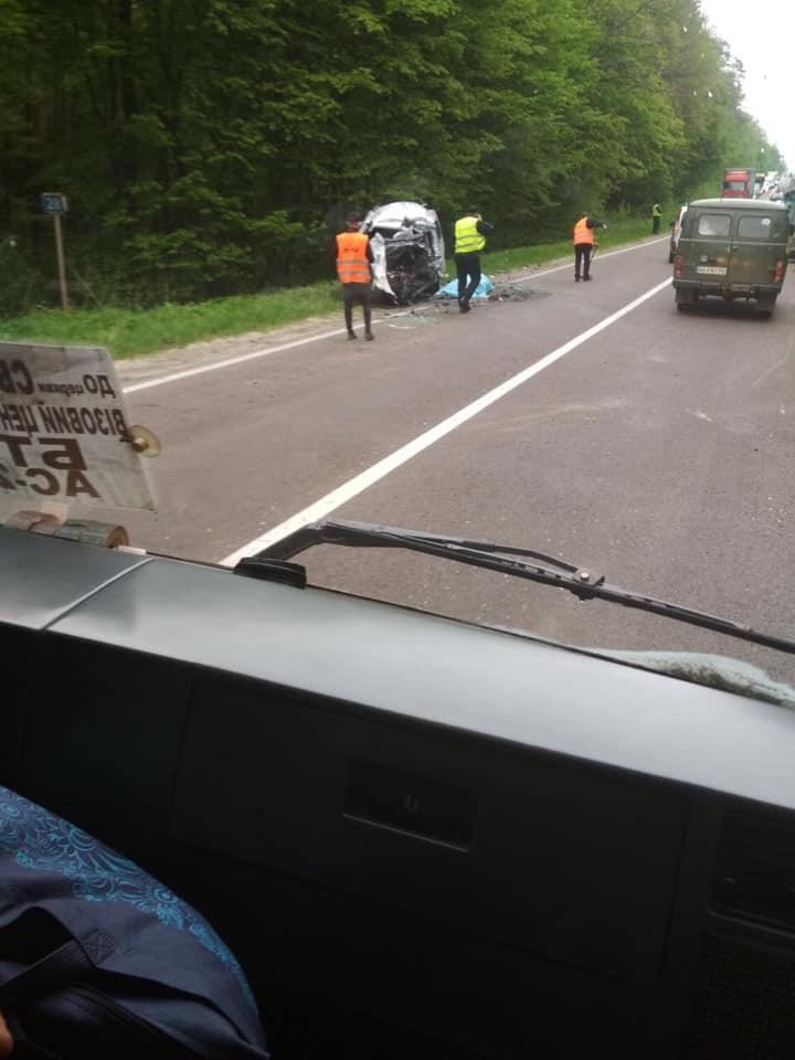 На Яворівщині трапилась жахлива ДТП. Фото: Ігор Зінкевич.