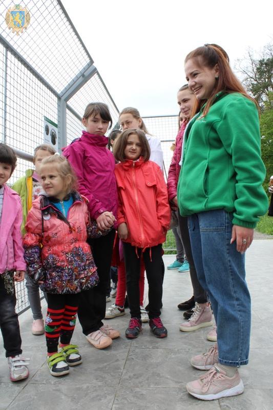 Діти з малозабезпечених сімей Львівщини відвідали ведмежий притулок «Домажир»