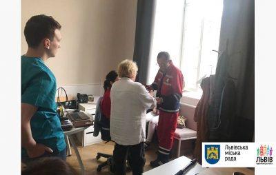 У Львові під час штурму міськради стало погано вагітній працівниці мерії