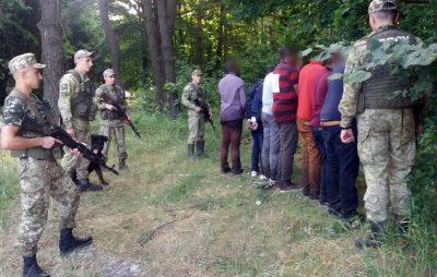 На кордоні з Польщею затримали сімох нелегалів з Коморських островів