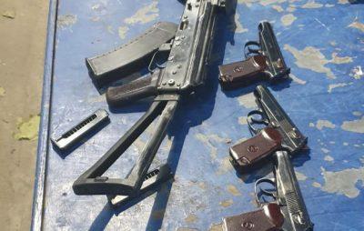На Яворівщині у француза вилучили автомат і пістолети