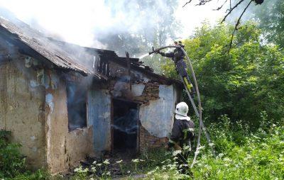 На Золочівщині згорів житловий будинок