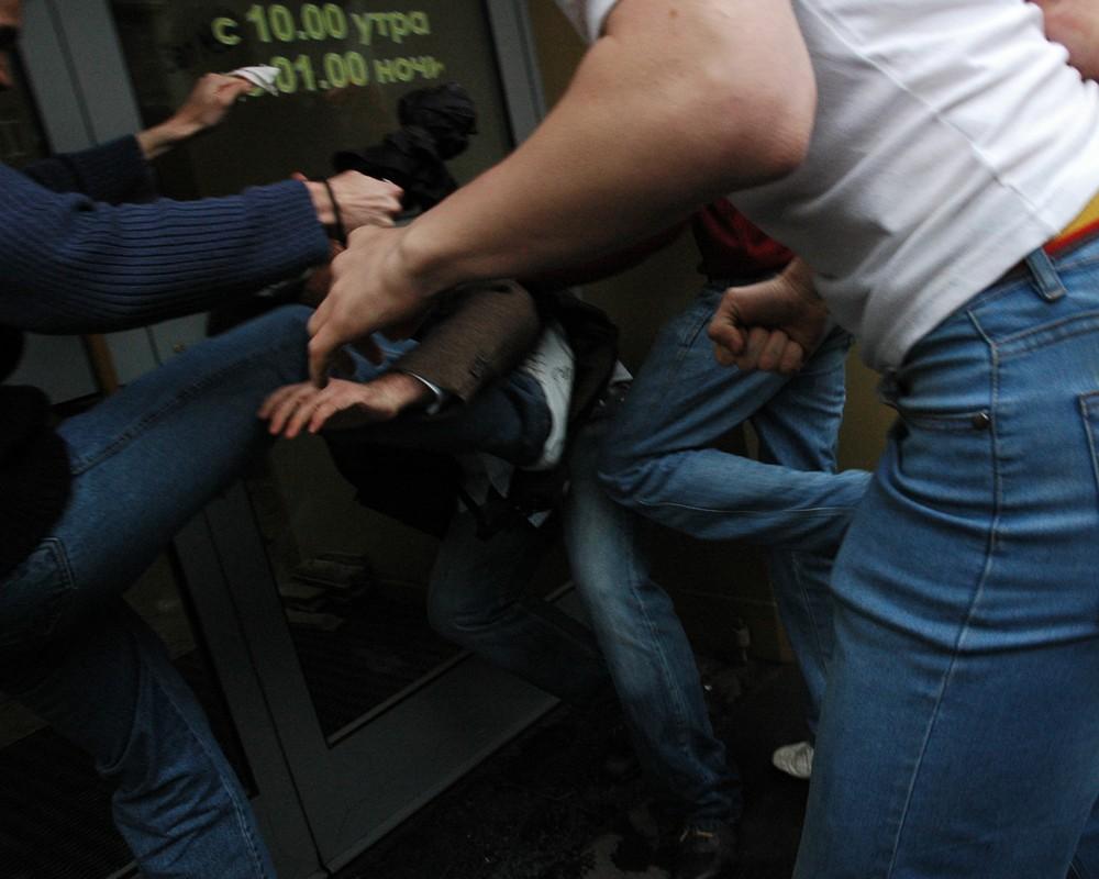 У Львові чоловіки напали на 18-річного хлопця. Фото: відкриті джерела.