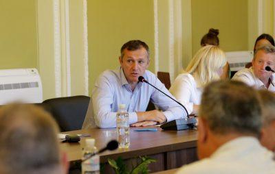 Львівська обласна рада збереться на сесію 10 вересня. Голова бюджетної комісії Олег Домчак Фото Четверта студія.
